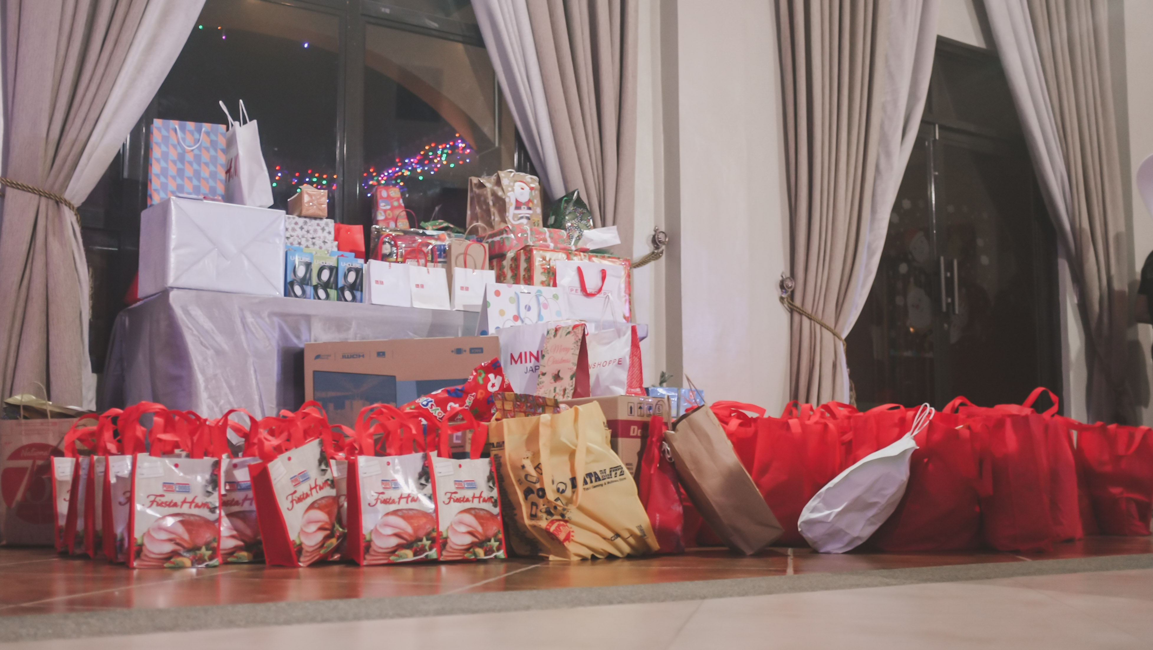 CHRISTMAS PARTY_2018-14288 x 2416