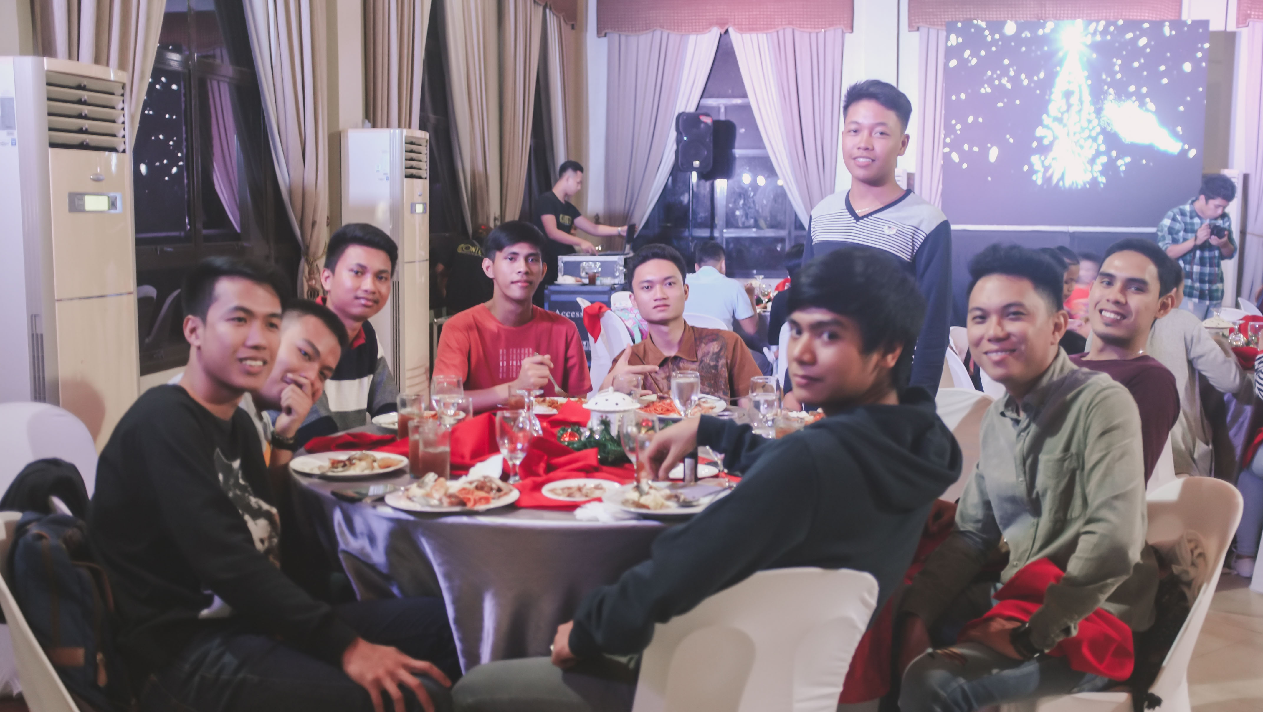 CHRISTMAS PARTY_2018-74288 x 2416