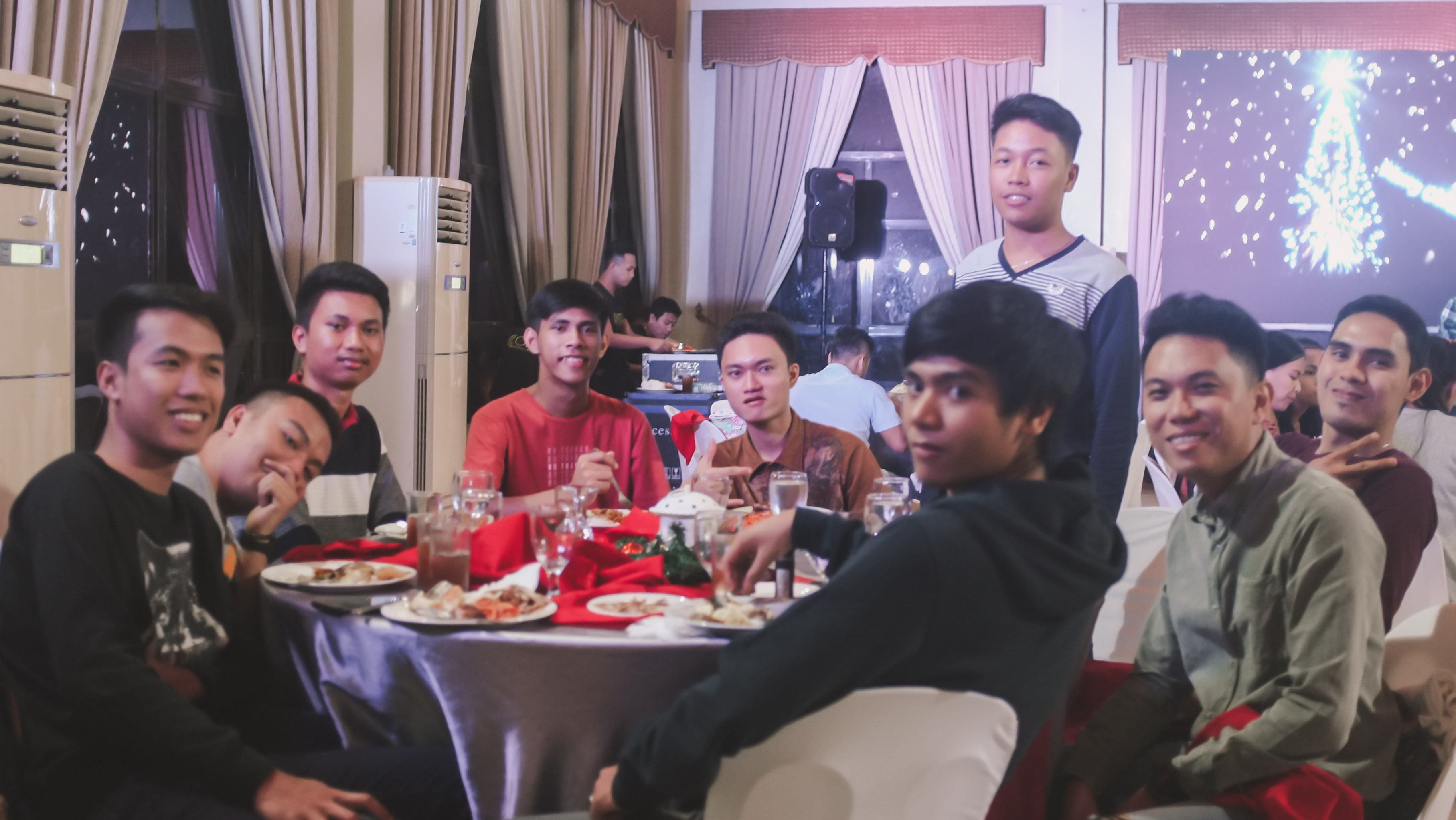 CHRISTMAS PARTY_2018-84288 x 2416